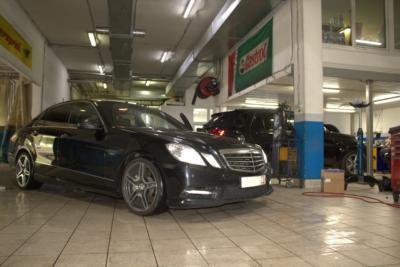 Сервисный центр Mercedes